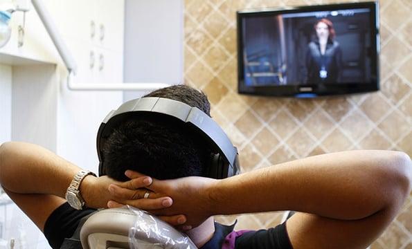 flatscreen-tvs-in-dental-room